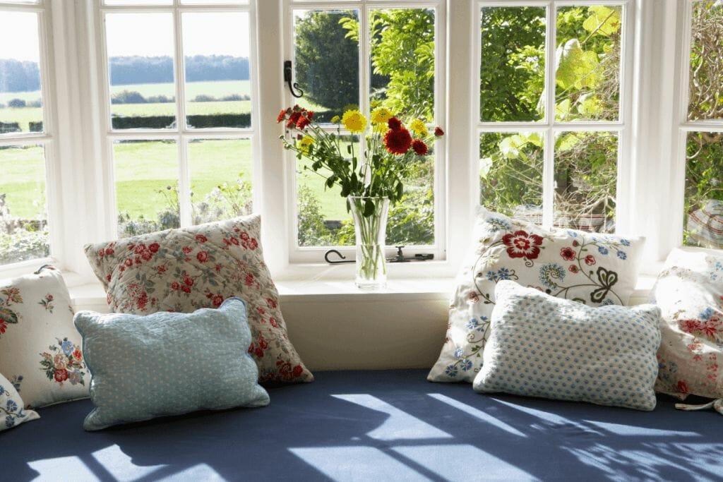 window seat decor